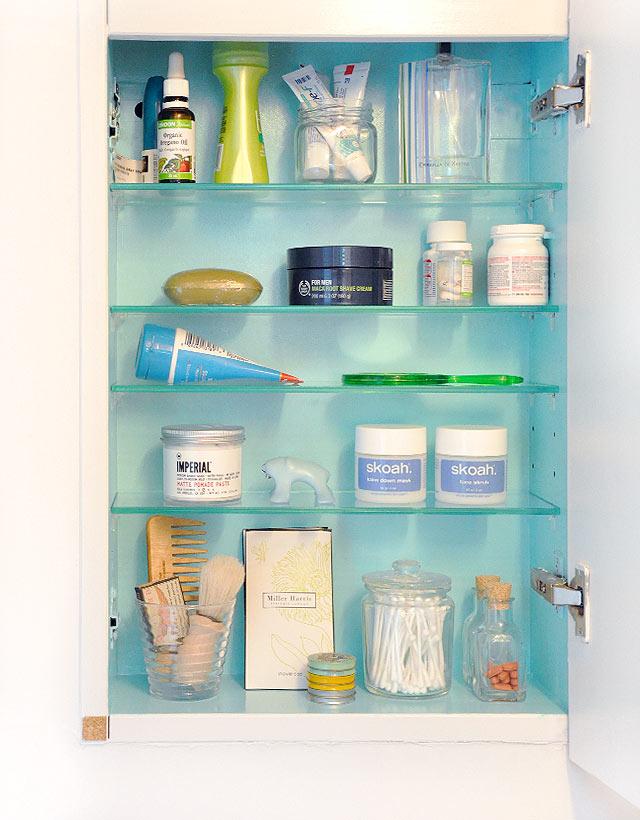 medicine-cabinet-makeover