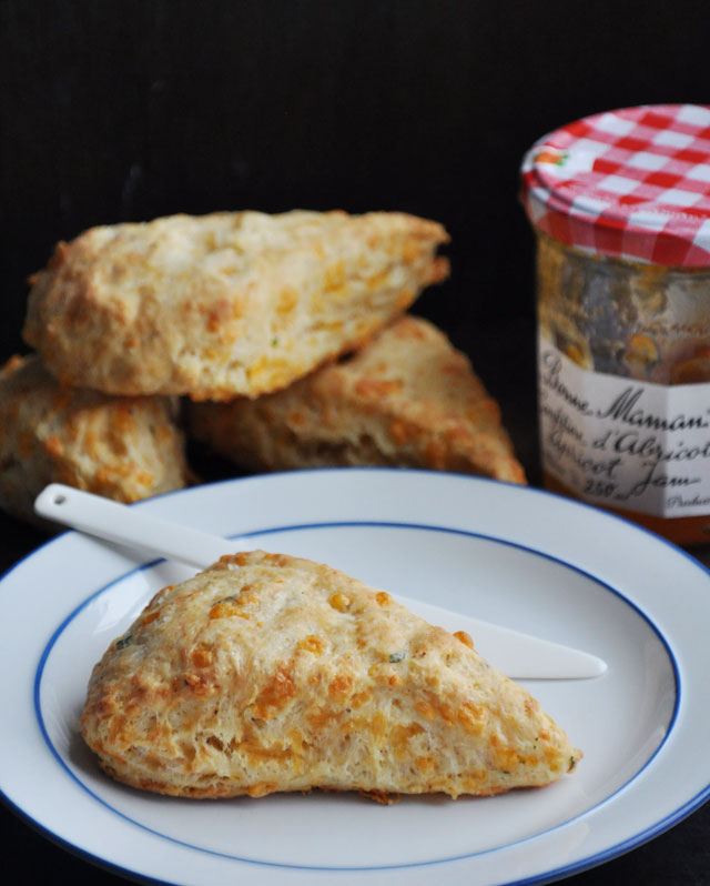 Easy Cheddar Cheese Scone Recipe